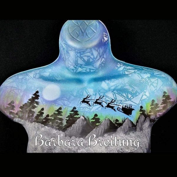 Santa's Sleigh body painting by Barbara Breitung using Diva stencil