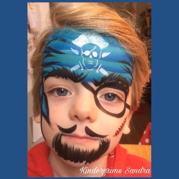 Pirate skull face painting design by Sandra Beckers using Diva Stencil