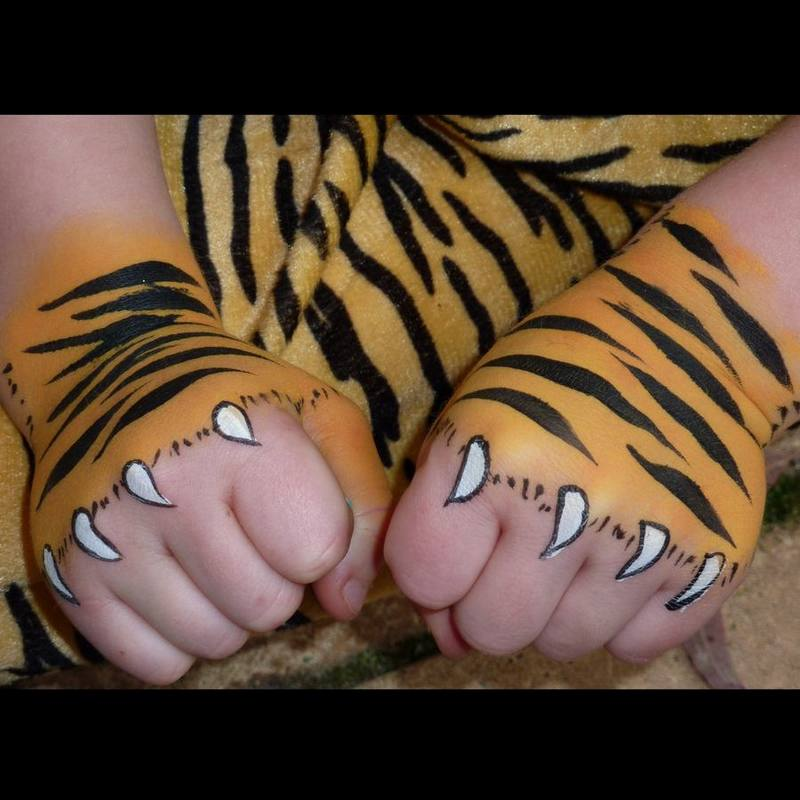 Painted Tiger paws in TAG Golden Orange